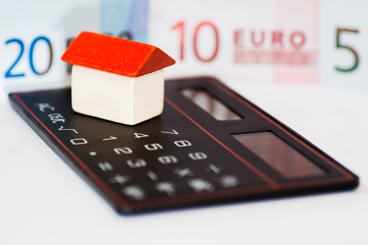 住宅ローンは今こそ固定金利を選ぶべきだ!?