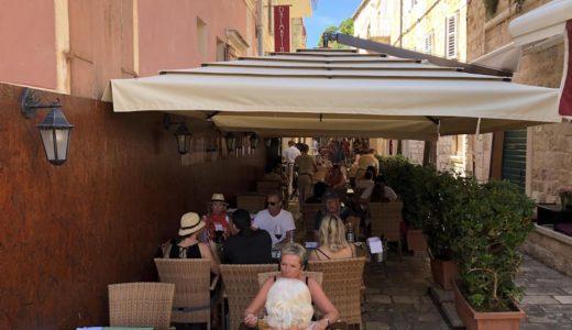フヴァル島のおすすめレストラン-シーフード・ピッツァ・安いお店など-