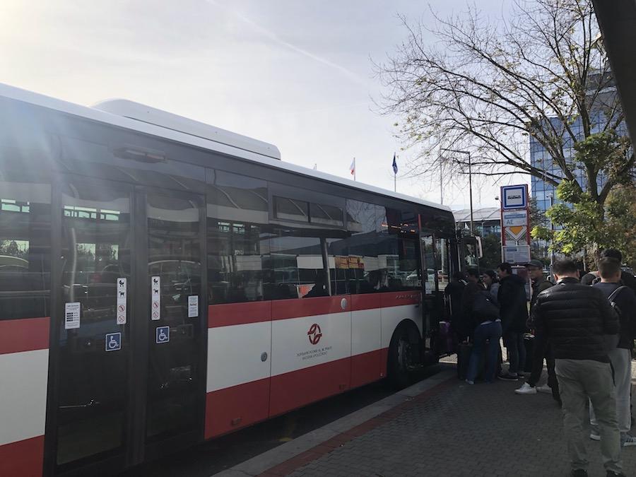 プラハ空港-バス-タクシー