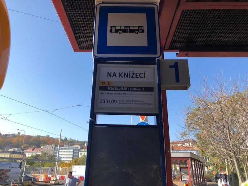 プラハ,チェスキー・クルムロフ,バス,行き方